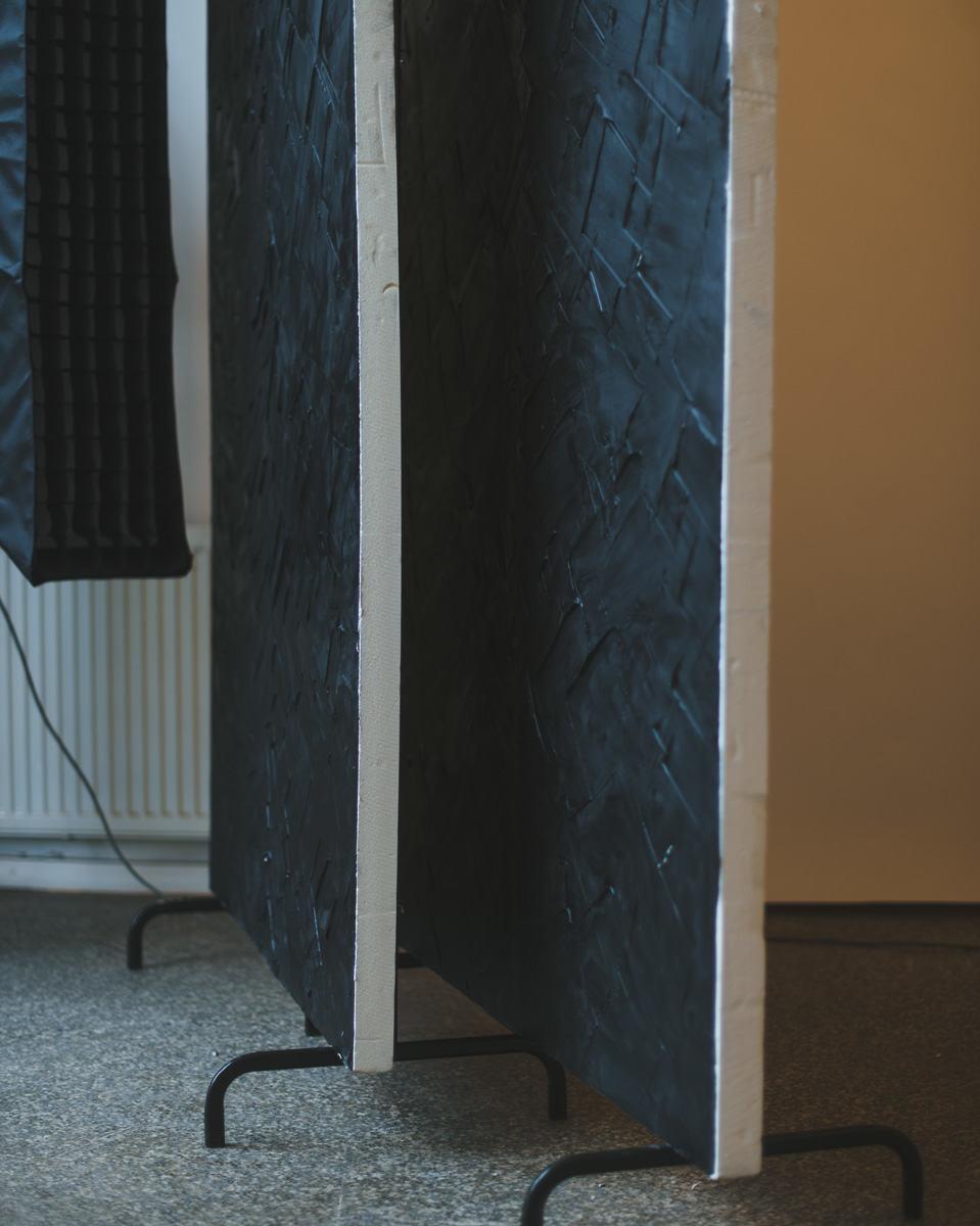 Siirrettävät väliseinät tai flagit studiolla, kuva Valokuvaamo Magio